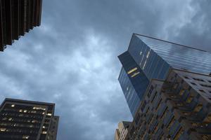 skyline prima della pioggia foto