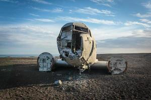 vecchio aereo precipitato