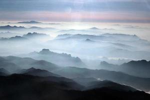 laos vang vieng paesaggio montagne foto