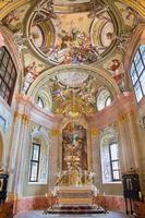 san antonio, slovacchia - cappella con gli affreschi foto