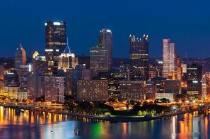 skyline di Pittsburgh. foto