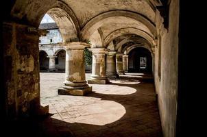 chiostro nella chiesa e convento dei cappuccini foto