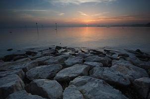 tramonto sul lago di costanza