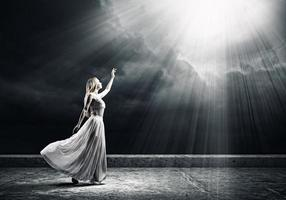 donna in bianco foto