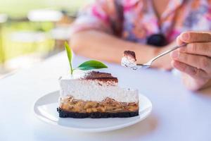 torte di torta al caffè con tè verde