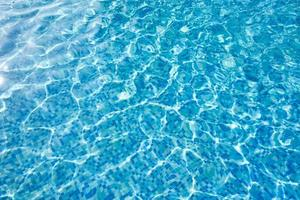 acqua della piscina foto