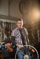 officina riparazioni bici foto