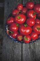ciotola di pomodori foto