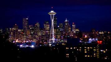 skyline di Seattle di notte
