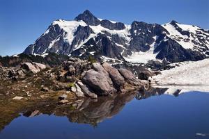 Mount Shuksan Blue Snow Pool Artist Point Washington State USA foto
