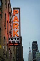 parcheggiare qui a New York City foto