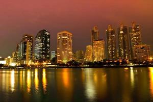 paesaggio urbano di notte di Bangkok foto