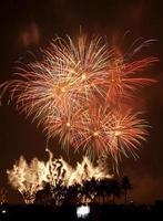 fuochi d'artificio che esplodono, bangkok