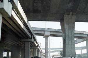 superstrada sopraelevata e tangenziale foto