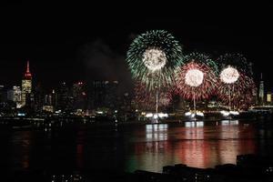 fuochi d'artificio sul fiume Hudson foto