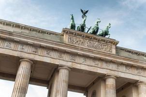 Porta di Brandeburgo a Berlino foto