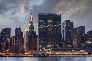 skyline di new york city manhattan, quartier generale delle nazioni unite foto