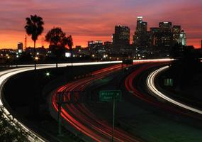 skyline di los angeles al largo della 101 foto