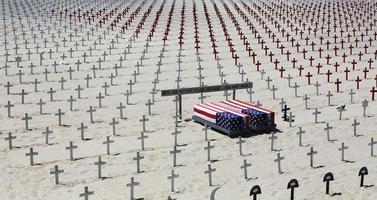 cimitero commemorativo sulla spiaggia di santa monica, california foto