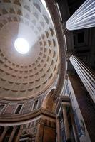 interno del pantheon foto