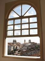 vista di Salvador da Bahia da una finestra foto