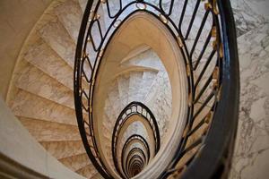 scalinata verso il cielo