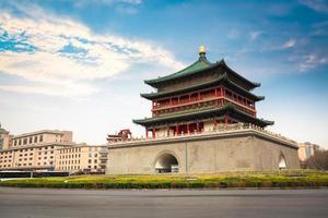 campanile antico della città xian foto