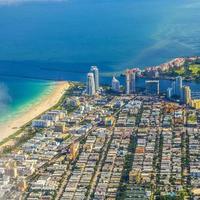 Miami aerea della città e della spiaggia foto