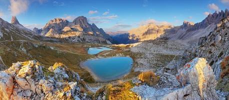 lago dei piani - panorama delle dolomiti della montagna Italia foto