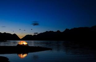tenda illuminata foto