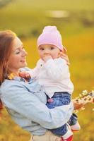 famiglia felice, mamma e figlia adorabile.