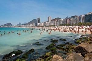 spiaggia di copacabana, rio de janeiro, brasile foto
