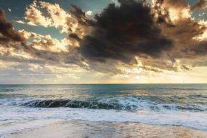 tramonto sul mare