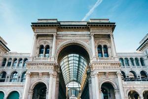 vittorio emanuele ii gallery in piazza del duomo a milano.