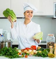 pasto vegetariano cuoco femminile foto