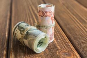 soldi sulla scrivania