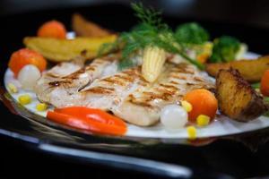 bistecca di pollo con verdure