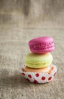 macarons colorati tradizionali francesi foto