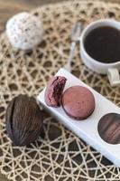 gustosi macarons al cioccolato foto