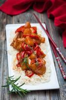 pollo con ananas in salsa agrodolce foto