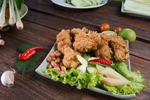 ali di pollo fritto foto