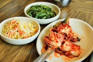 taglio del kimchi foto