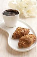 natura morta con biscotti e caffè