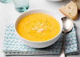 zuppa di zucca e cocco con pollo