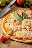 Pizza alla frutta foto