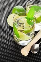 cocktail e ingredienti mojito foto