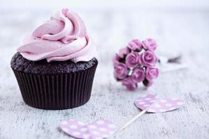 cupcake al cioccolato rosa