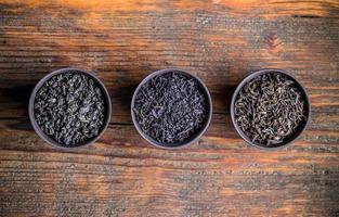 foglie di tè essiccate foto