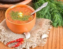 borsch, zuppa di barbabietola e cavolo foto