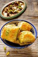 baklava al pistacchio. delizia tradizionale turca foto